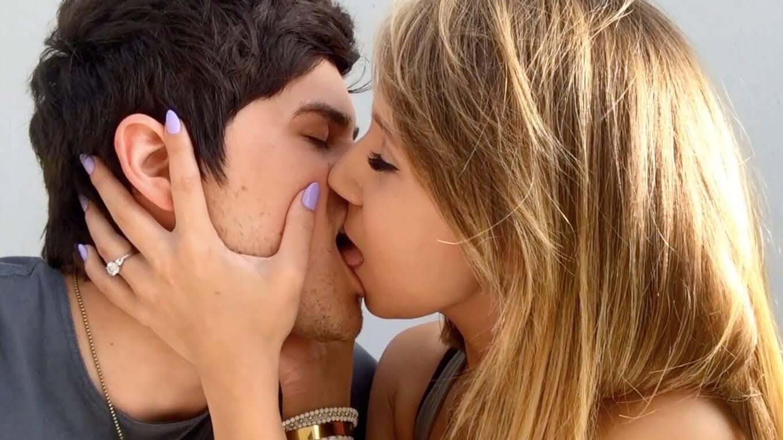 Фото нежного и романтического поцелуя между девушкой и парнем - 20 картинок 13