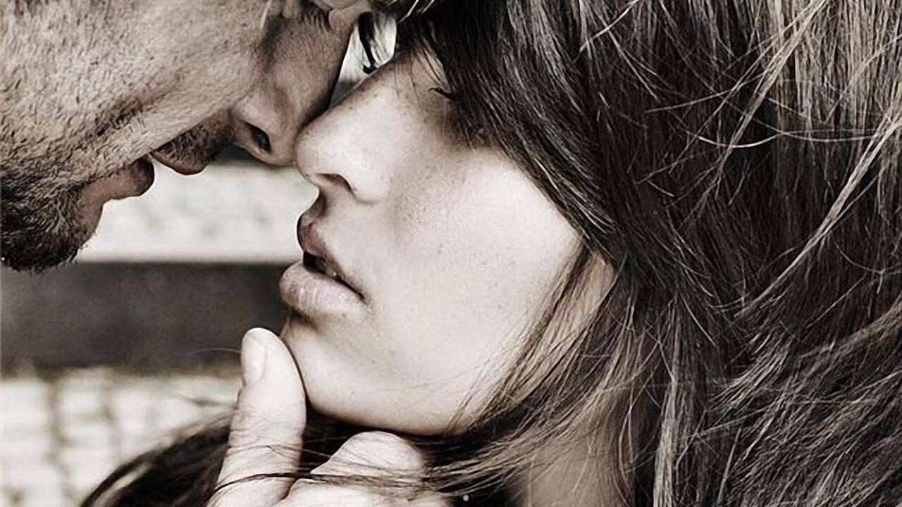 Фото нежного и романтического поцелуя между девушкой и парнем - 20 картинок 17