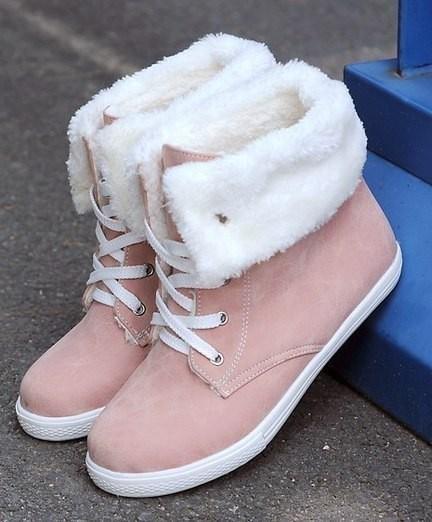 Красивые и оригинальные фото женских ботинок на зиму 11