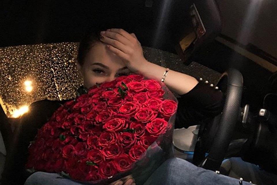 Доброго утра, цветы картинки розы букеты брюнетки реальные