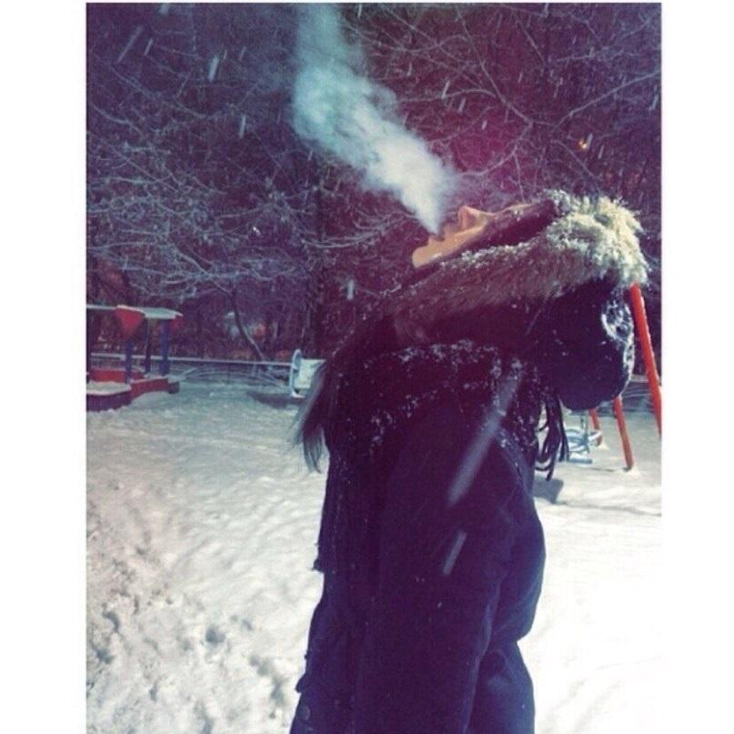 Фото на аву девушка с парнем без лица зимой